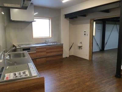キッチンスペース - レンタルスペース&A 多目的スペース、レンタルキッチンの室内の写真