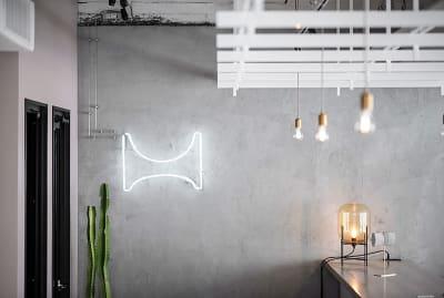 3階ラウンジ内にはHOLDERのロゴサインが光ります。 - HOLDER roppongi  10名+3名多目的ワークスペースのその他の写真