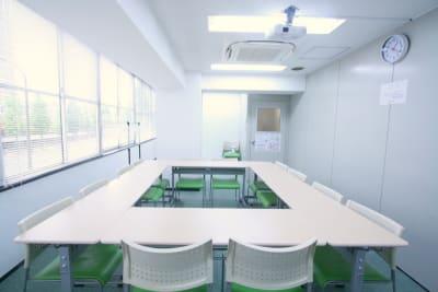品川ステーションビル ふれあい貸し会議室品川No23の室内の写真