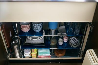 調理器具や食器類もそろっています。(調味料はご持参ください) - Tengu旅音 リビングの設備の写真