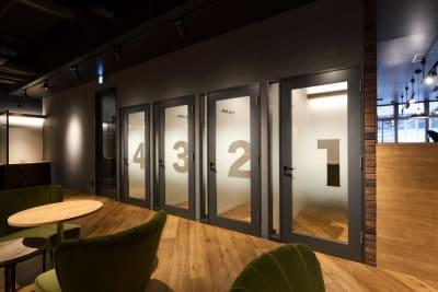東邦オフィス福岡天神 東邦オフィス天神コワーキングAの室内の写真