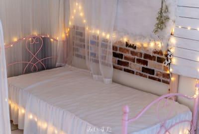 ノスタルジックなベッド撮影に - レンタルスタジオ「みぃすた」 レンタル撮影スタジオの室内の写真