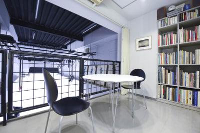 2F-ミーティングルーム  - 有限会社水谷スタジオ 撮影スタジオの室内の写真
