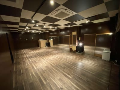 清潔感溢れるオシャレな雰囲気です♪ - DANCESTUDIOLoRe ダンススタジオロア1スタジオの室内の写真