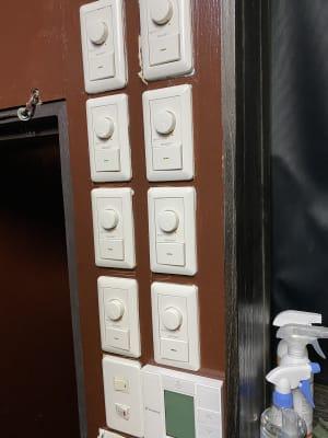 調光器が8個あるので照明を自由に変え、雰囲気を出すことも可能です。 - DANCESTUDIOLoRe ダンススタジオロア1スタジオの設備の写真