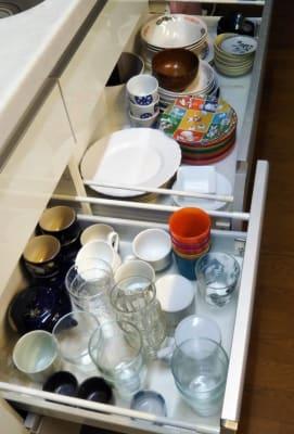 コップ、皿など (お使いいただけます) - Domahouse フリースペースの設備の写真