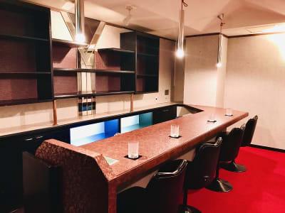 YS21ビル4階に位置し、スナックで利用されていたテナントです。 - YS21ビル 4階C号室 レンタル(BAR・スナック)の室内の写真