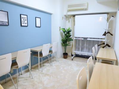 桜木町FRIENDSⅥ 安くて綺麗で明るいスペース♪の室内の写真