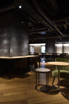 オープンな居心地の良いスペース - 東邦オフィス福岡天神 東邦オフィス天神コワーキングJの室内の写真