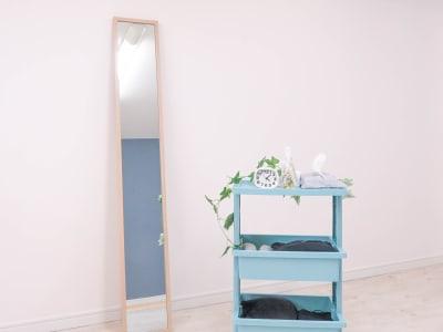 全身鏡とワゴン完備 - salon ole 立地抜群!完全個室の清潔サロン◎の室内の写真