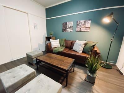素敵なお部屋に友人を誘ってプチパーティはいかがでしょうか?🍺 - SMILE+グレナス天神 パーティスペースの室内の写真