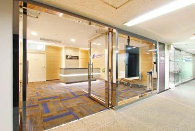 11Fリファレンス受付 - リファレンス大博多ビル MTR1101の入口の写真