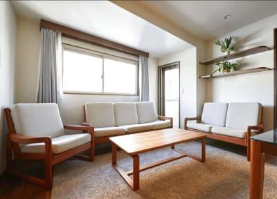 KYODO HOUSE 会議室の室内の写真