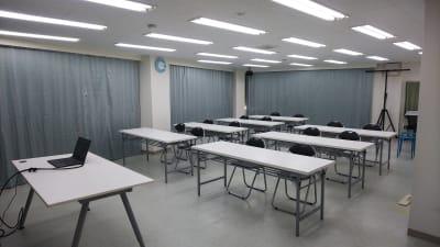 スタジオM  第1 JR稲毛駅前 貸し会議室の室内の写真
