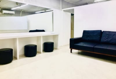 YS21ビル 2階C号室 レンタル(メイクルームetc)の室内の写真