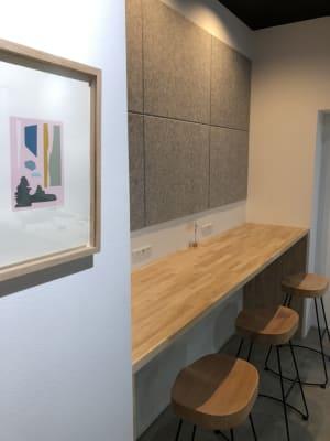 カウンター席 - Voltage  多目的レンタルスペースの室内の写真