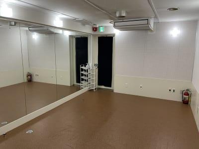 個室となっております - MIBビル 602号室 レンタルスタジオ602号室の室内の写真