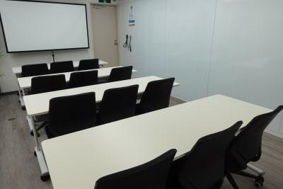 セミナー形式でのご利用も可能です。(要連絡) - BTSオフィス 6階会議室Aの室内の写真