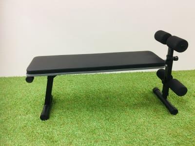 トレーニングベンチ 腹筋、背筋などの筋トレに - Compartimos 2名以上利用プランの設備の写真