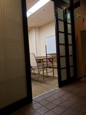 ホテルウィング名古屋 1階 会議室1の入口の写真