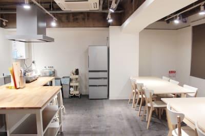 入り口側から - レンタルスペース  パズル浅草橋 レンタルキッチン スペースの室内の写真