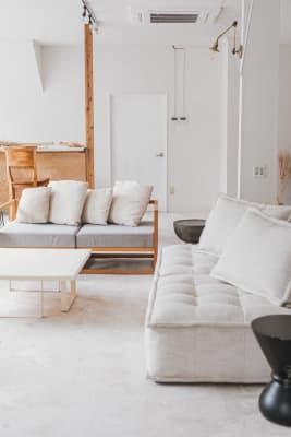 ソファーやラグの貸し出しもあるのでお子様連れも安心です. - nai /dan 空間レンタル、スタジオの室内の写真