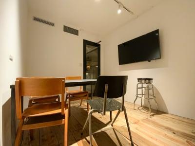ミーティングルーム(small)  - Rounge 3626 Barのあるデザイナーズラウンジの室内の写真