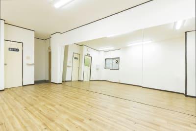 フロア2 - SKYレンタルダンススタジオの室内の写真