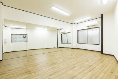 スタジオ内 - SKYレンタルダンススタジオの室内の写真
