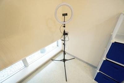 【新森古市撮影スタジオ】 新森古市撮影スタジオの室内の写真