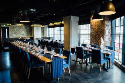 着席最大70名様収容可能 - Jam Orchestra レストラン&オープンキッチンの室内の写真