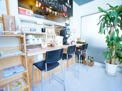 ■ドリンクバー無料■ - WeHome ■レンタル会議室■ビジネス限定■の室内の写真