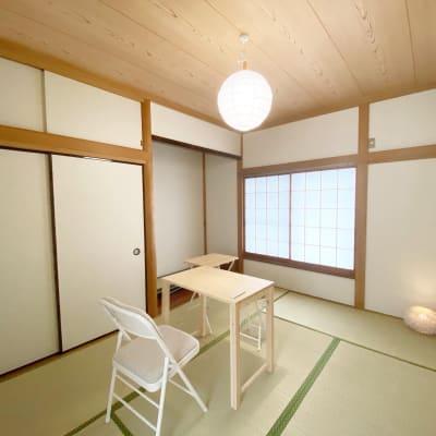 空いていれば、隣の和室も別途料金でご利用いただけます。荷物置き場、お着替えスペース等が必要な最終はご相談ください。 - サロン・ド・ラズリ 和室のその他の写真