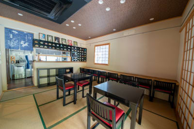 14畳間はキッチン・エントランスと隣接しております。 - もちゃもちゃ 和風の一軒家 庭 テラスの室内の写真