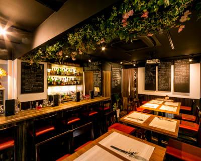 グラス、お皿、箸、スプーン、フォークなどもご使用できます。 - バルボラッチョ秋葉原店 貸切パーティレストランの設備の写真