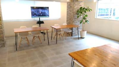 オンライン配信イベントレイアウトの一例 - 秋葉原レンタルスペース201 🎵多目的マルチスペース🎵の室内の写真