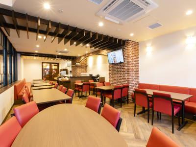 会場イメージ - ホテルウィング東京赤羽 ホテル1Fカフェスペース2名利用の室内の写真