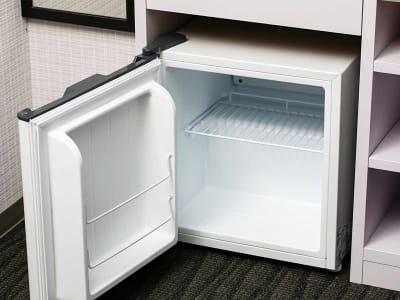 冷蔵庫(常設) - ホテルウィング新橋御成門 テレワーク用客室の設備の写真