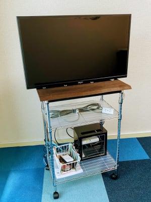 テレビ・HDMIケーブル Wi-Fi完備 - on a journey貸会議室 千葉駅前の設備の写真