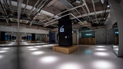 最大130平米を超える広大なスペースを思うままご利用いただけます! - StreetDancePark 【9】深夜PARK 20時~の室内の写真