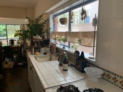 最近ではあまり見られないタイル張りキッチンです。 - 千駄ヶ谷コートリー202号室 千駄ヶ谷のお洒落アパルトマンの室内の写真