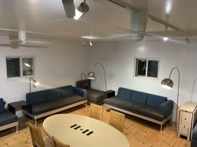 1階イベントスペース イベントスペースの室内の写真