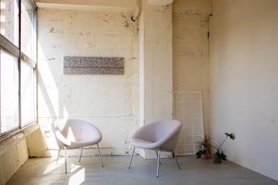 白い壁 - CRAFT BRIDGE レンタルスペースの室内の写真