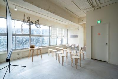 自然光の入る気持ち良い空間 - CRAFT BRIDGE レンタルスペースの室内の写真