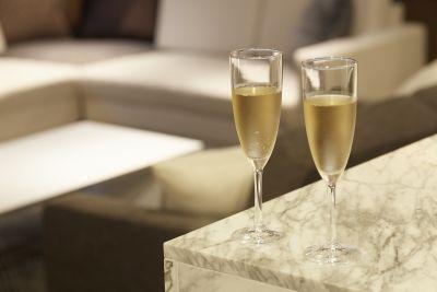 Lounge-R-Premium 【パーティー会議】Premiumの室内の写真
