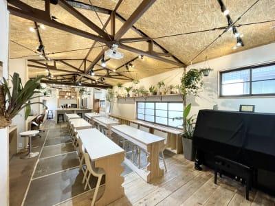 室内は広々としています - キッチン&会議室|上町サンク 2階スペースの室内の写真