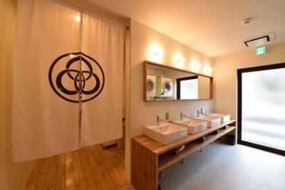 洗面台(1階) - みつわ屋 1階スペース&キッチン&屋上貸切の室内の写真