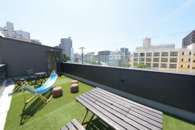 屋上テラス(3階) - みつわ屋 1階スペース&キッチン&屋上貸切の室内の写真