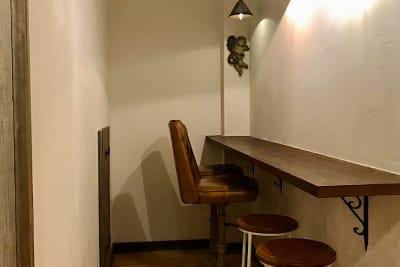 共有スペース(カウンター) - PSQ studio お一人さま、少人数に最適スペースの室内の写真