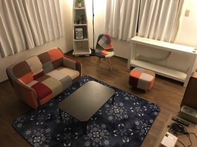 おしゃれで落ち着いたお部屋です✨ (現在のレイアウトとは異なります。) - レンタルームふじみ野 音楽♪🆗 映画会、誕生日会等✨の室内の写真